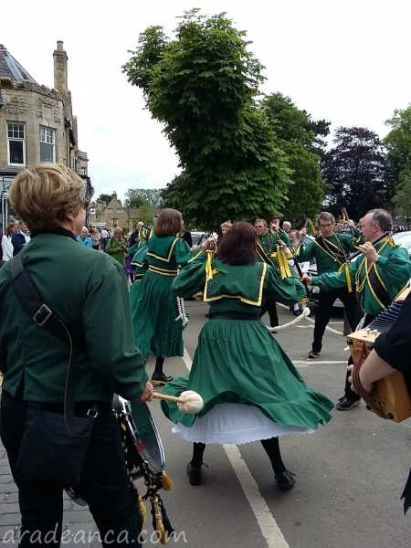 Bourton on thw water morris dance (5)