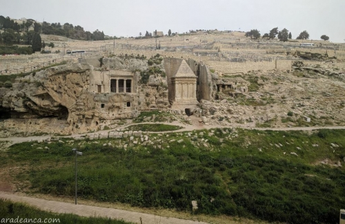 Ierusalim (31) Kidron Valley Bnei Hazir Tomb and Tomb of Zechariah