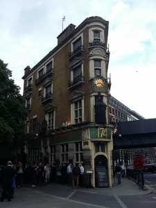 english pub blackfriars 1