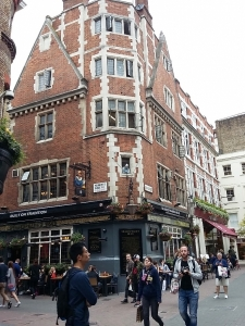 english pub shakespeares head