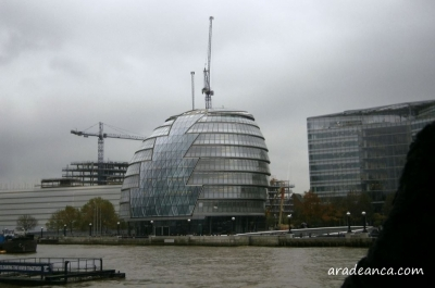 20.thames river cruise (4) City Hall