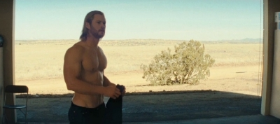 thor-chris-hemsworth-shirtless